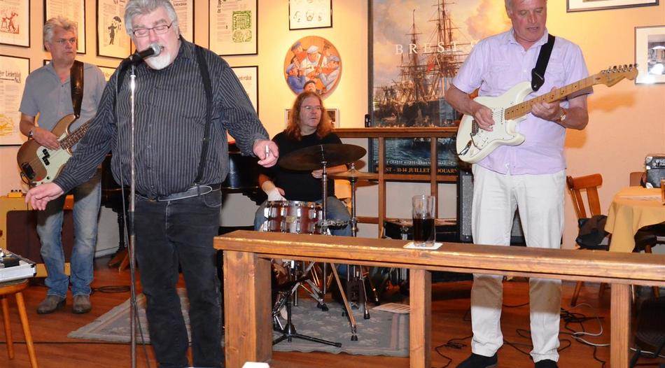 "Stolberg: ""Harmonica Pete and the Blues Jukes"" bieten urtümlichen Blues"